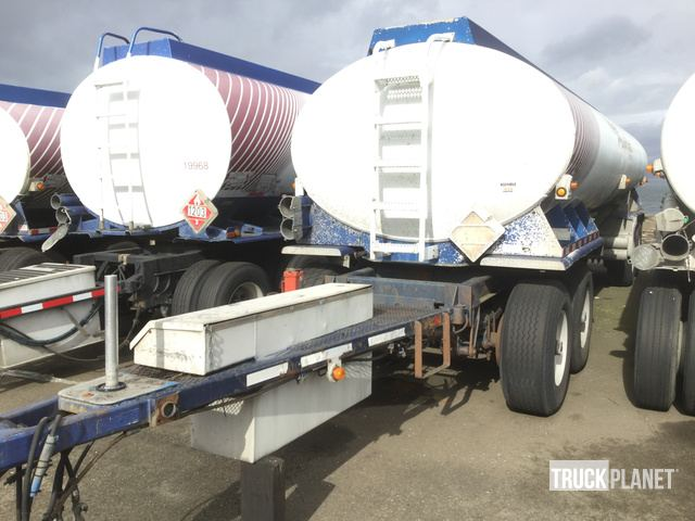 1998 Paramount T/A Tanker Trailer in Tacoma, Washington