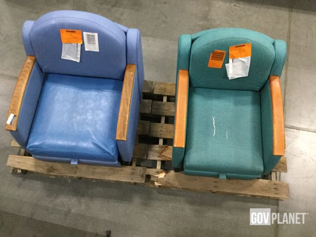 Excellent Surplus Lot Of 2 Hill Rom P375 Sleeper Chairs In Machost Co Dining Chair Design Ideas Machostcouk