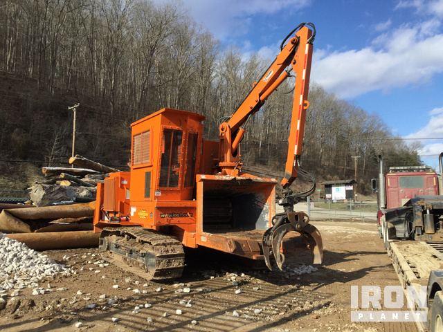 Bandit 2290 Track Chipper in Elkview, West Virginia, United