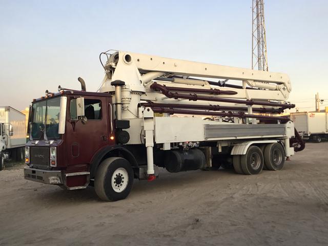 1999 Mack MR688S Concrete Pump Truck