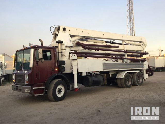 1999 Mack MR688S Concrete Pump Truck