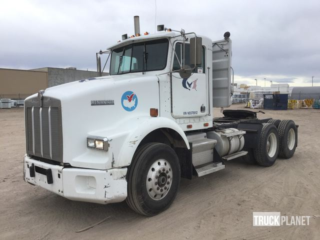 1992 (unverified) Kenworth T800 T/A Day Cab Truck Tractor in
