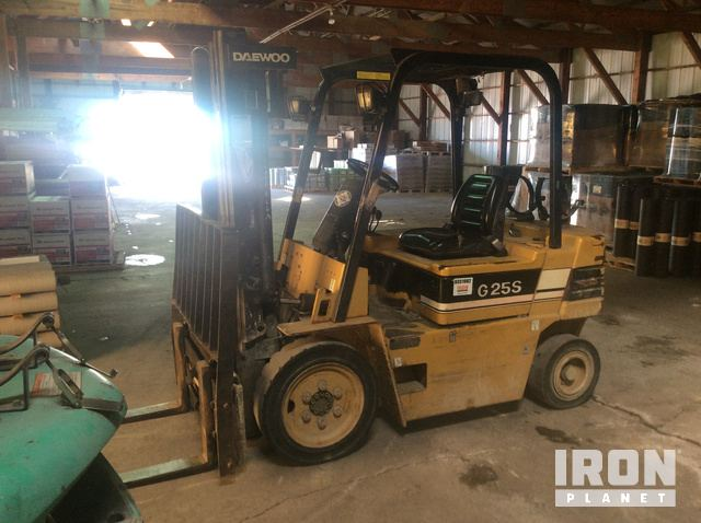 Daewoo G25S-2 Pneumatic Tire Forklift in Belleville, Wisconsin