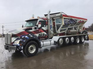Stone Spreader Trucks