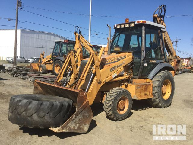 Case 580 Super L 4x4 Backhoe Loader in Wappingers Falls, New
