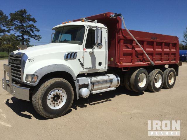 2012 Mack GU713 T/A Fuel & Lube Truck in Calvert City