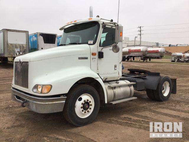 2006 International 9200i S/A Day Cab Truck Tractor in Le