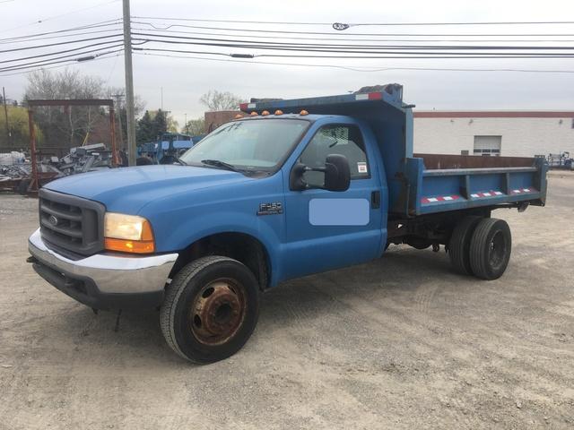 0b9da27156 2000 Ford F-450 XL Super Duty Dump Truck