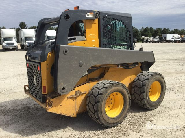 2013 (unverified) John Deere 328E Skid-Steer Loader in