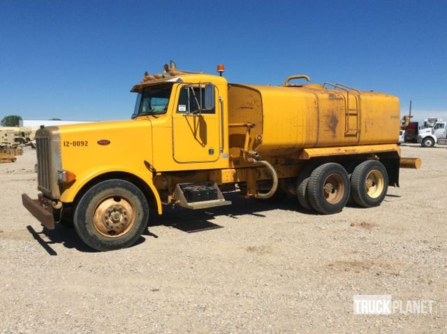 1989 Peterbilt 379 T/A Water Truck in Lake Worth, Texas, United