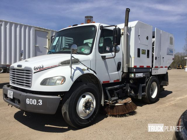 2006 Freightliner M2 106 Sweeper Truck in Hoffman Estates, Illinois