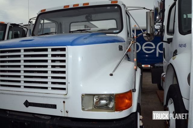 1997 International 4900 S/A Day Cab Truck Tractor in Elyria
