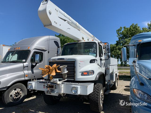 Altec AA55 Bucket on a 2011 Freightliner M2 106 S/A Truck in