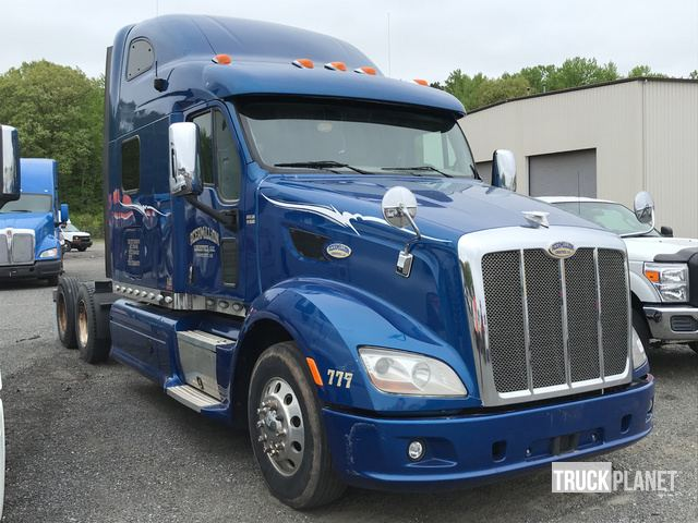 2015 Peterbilt 587 T/A Sleeper Truck Tractor in North East, Maryland
