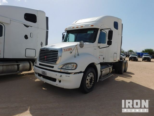 Lot 202 - 2007 FREIGHTLINER CL120 Columbia PARTS ONLY T/A
