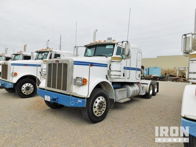 Lot 184 - (8-1) - 2013 PETERBILT 367 T/A Sleeper Truck Tra