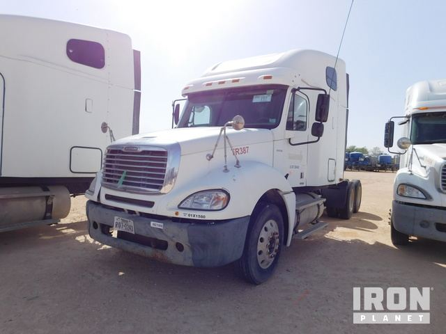 Lot 197 - 2007 FREIGHTLINER CL120 Columbia PARTS ONLY T/A