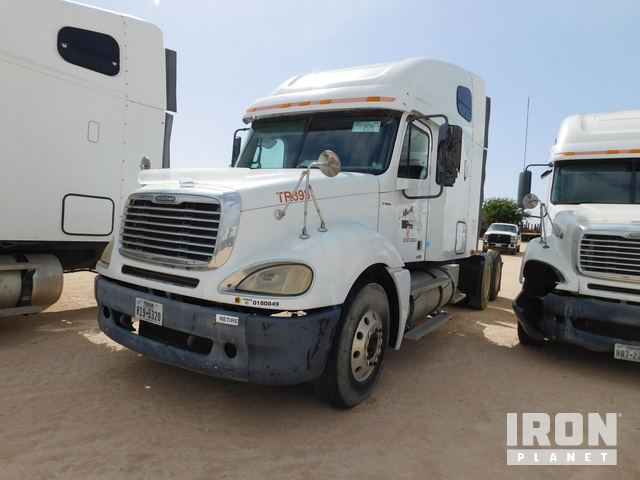 Lot 204 - 2007 FREIGHTLINER CL120 Columbia PARTS ONLY T/A