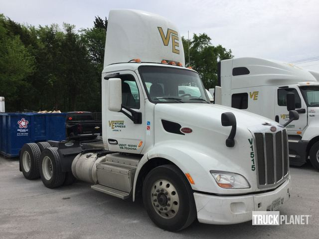 2015 Peterbilt 579 T/A Truck Tractor in La Vergne, Tennessee, United
