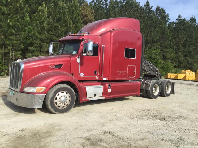 2013 Peterbilt 386 T/A Sleeper Truck Tractor