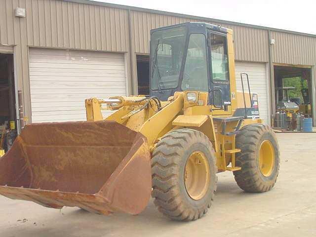 1995 Komatsu WA120-1 Wheel Loader in Kilgore, Texas, United States