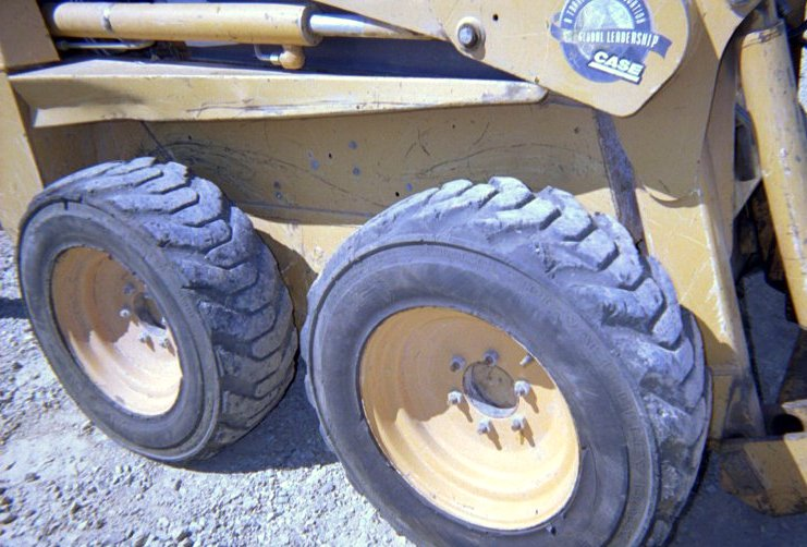 1998 Case 1840 Skid-Steer Loader in Memphis, Tennessee