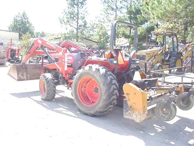 1998 Kubota L2900 Utility Tractor in Yorktown, Virginia, United
