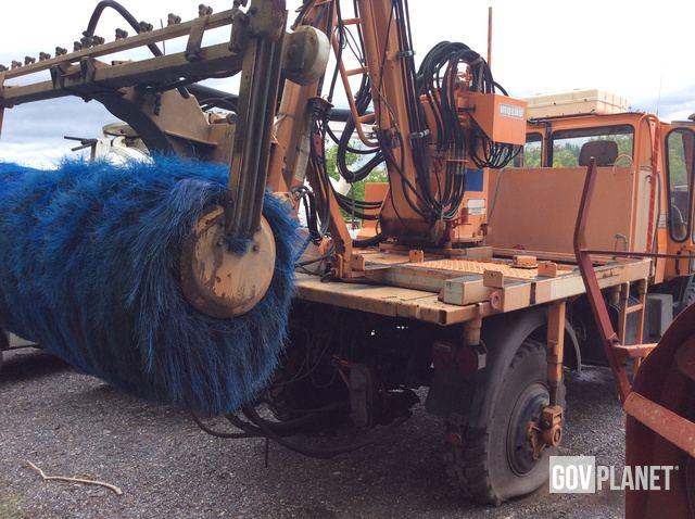 1992 Unimog U1650 Tunnel Washer Truck w/Snow Blower- 04-007