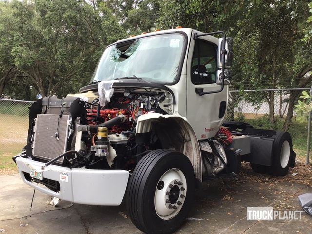 2016 Freightliner M2 106 S/A Day Cab Truck Tractor in Tampa