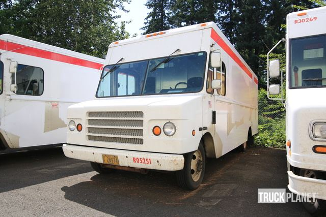 2002 Workhorse P42 Step Van in Vancouver, Washington, United