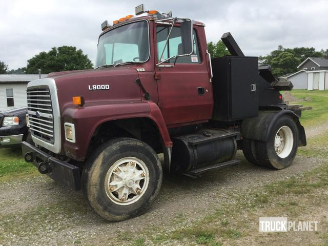 1994 Ford L9000 Toter Truck in Albany, Ohio, United States