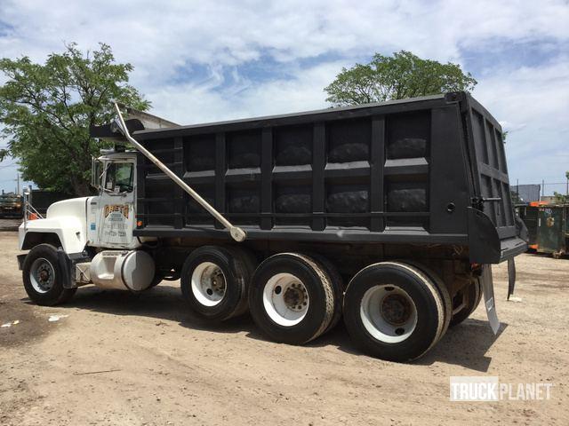 1999 Mack RD688S Tri/A Dump Truck in Staten Island, New York