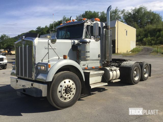1994 (unverified) Kenworth W900 T/A Day Cab Truck Tractor in