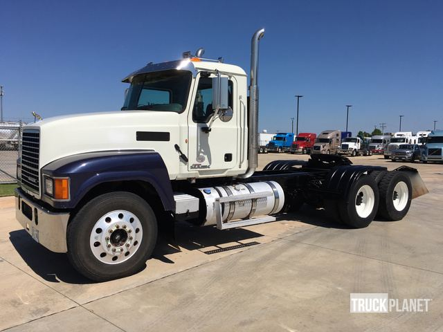 2014 Mack CHU613 T/A Day Cab Truck Tractor in Oklahoma City