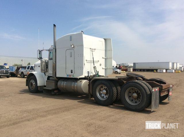 2006 Peterbilt 379 T/A Sleeper Truck Tractor in Edmonton