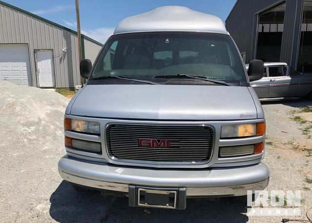 2002 GMC Savana Regency Conversion Van in Tulsa, Oklahoma