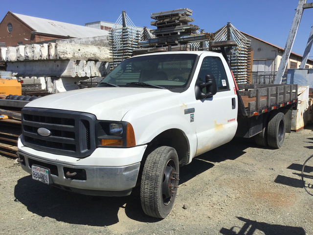 2001 Ford F-250 XLT Super Duty Flatbed