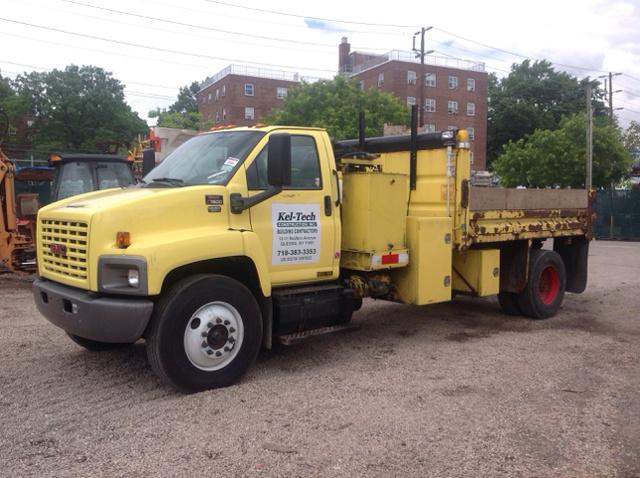 2005 GMC C7500 S/A Dump Truck w/ Air