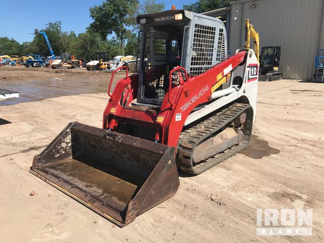 2014 Takeuchi TL10 Compact Track Loader in Brookshire, Texas