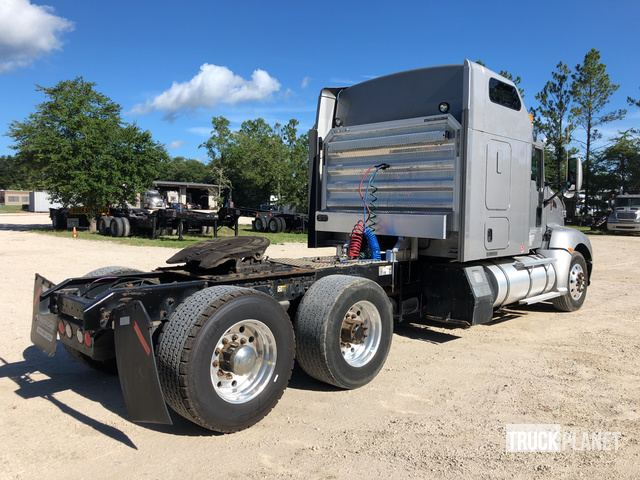 2012 Kenworth T660 T/A Sleeper Truck Tractor in Jacksonville