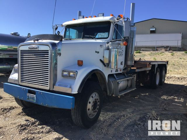 Lot 1031 - 2001 Freightliner Classic T/A Winch Truck in Rock