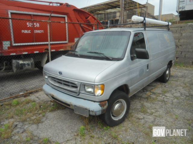 2000 Ford E250 Econoline Cargo Van in Cincinnati, Ohio