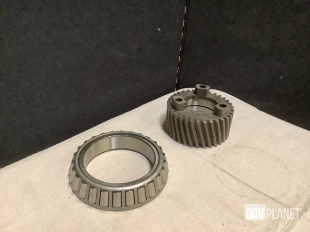 (6) Spur Gears, (52) Observation Windows & Assorted Parts - Unused