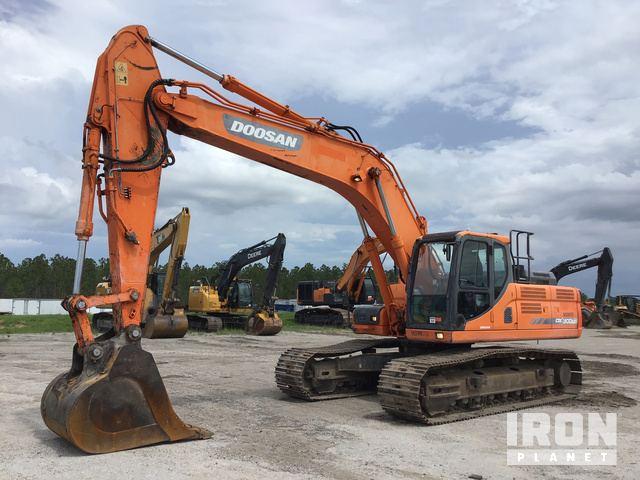 2013 Doosan DX300LC-3 Track Excavator in Davenport, Florida