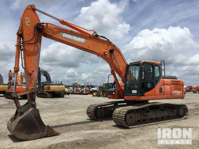 Doosan DX225LC-3 Track Excavator in Davenport, Florida