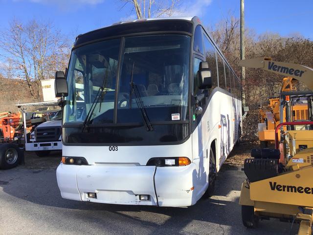 2000 MCI Motor Coach Industries 102-EL3 Bus