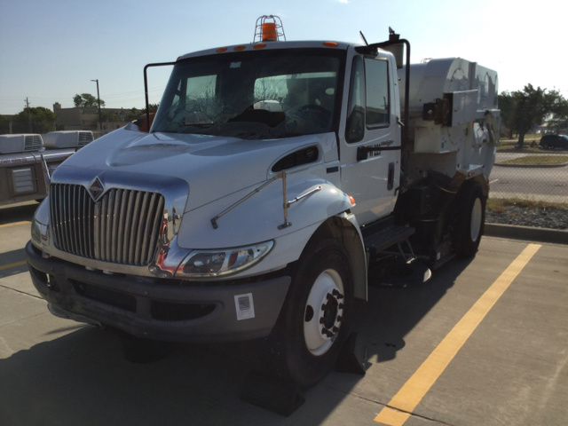 2012 International 4300 Sweeper Truck