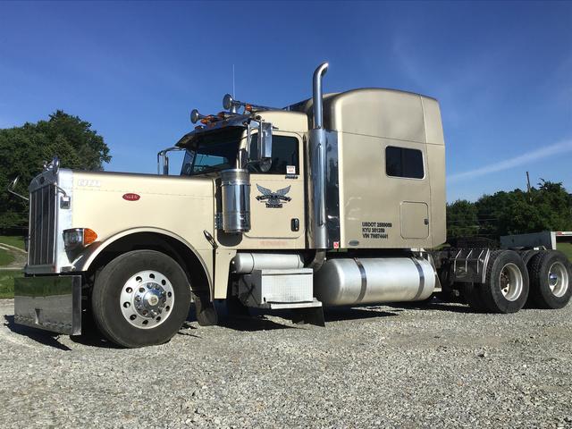 2007 Peterbilt 379 T/A Sleeper Truck Tractor