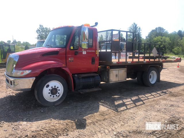 2007 (unverified) International 4300 S/A Rollback Truck