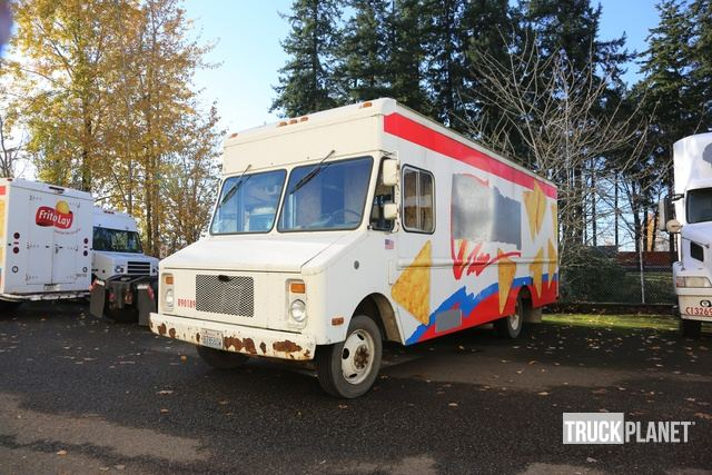 Surplus 1990 Chevrolet Workhorse P30 Step Van in Vancouver